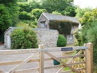 NUT COTTAGE, family friendly, with a garden in Pentewan, Ref 2268