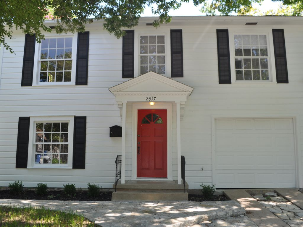 Recently remodeled Home in West Campus near UT Austin! 3 bedroom 2 bath 1566sqft