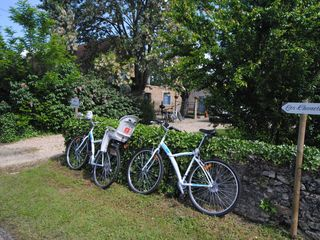 Tremolat cottage photo - 5 Adult bikes and 2 kiddie bikes available for you to use