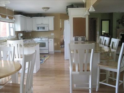 Spacious, fully equipped kitchen with wonderful lake views.