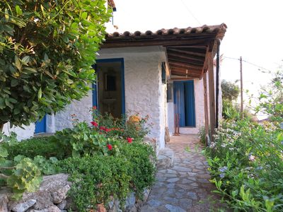Traditional Old Greek Stone House, families and pets welcome. - Lower House 4A
