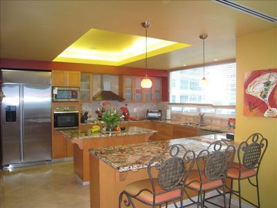 Gourmet kitchen with working island