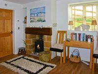 EWELANDS RETREAT, luxury holiday cottage in Sleights, Ref 7317