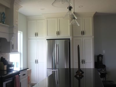 custom kitchen, serving for 12, fully stocked