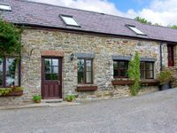 KITES COTTAGE, pet friendly, with a garden in Croeslan, Ref 2228