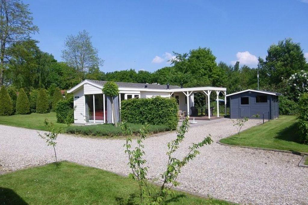 Comfortably, detached accommodation at a centrally located park in an area abundant in nature