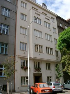 Bright, quiet, completely renovated, nice views, Prague center