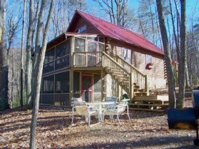 A large Awesome cabin with tons of fun, huge new deck and fire pit area!