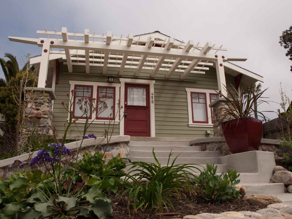 Perfect Beach Cottage 2 Blocks From The Ocean Vrbo