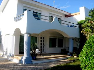 Playa Paraiso villa photo - Lots of room to wander inside and out!
