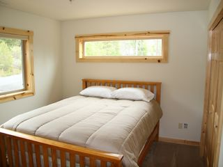 Willamette Pass house photo - Upstairs bedroom with queen pillow top bed