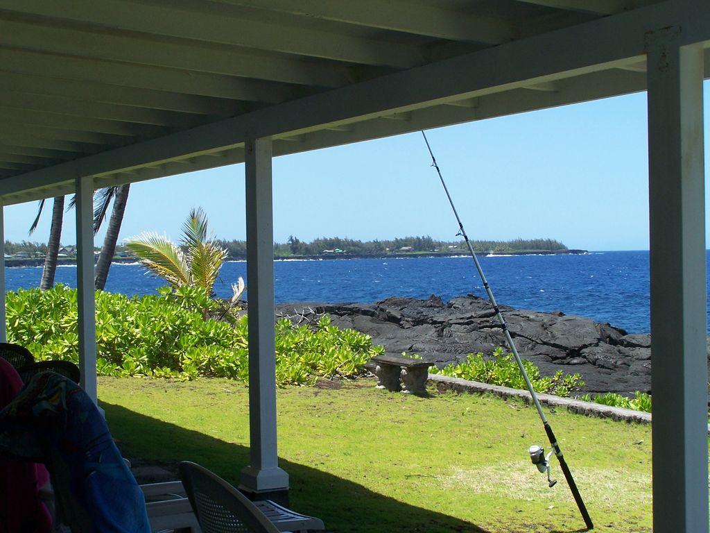 Oceanfront Hawaii! It doesn't get much better than this! Fish from the bluff!