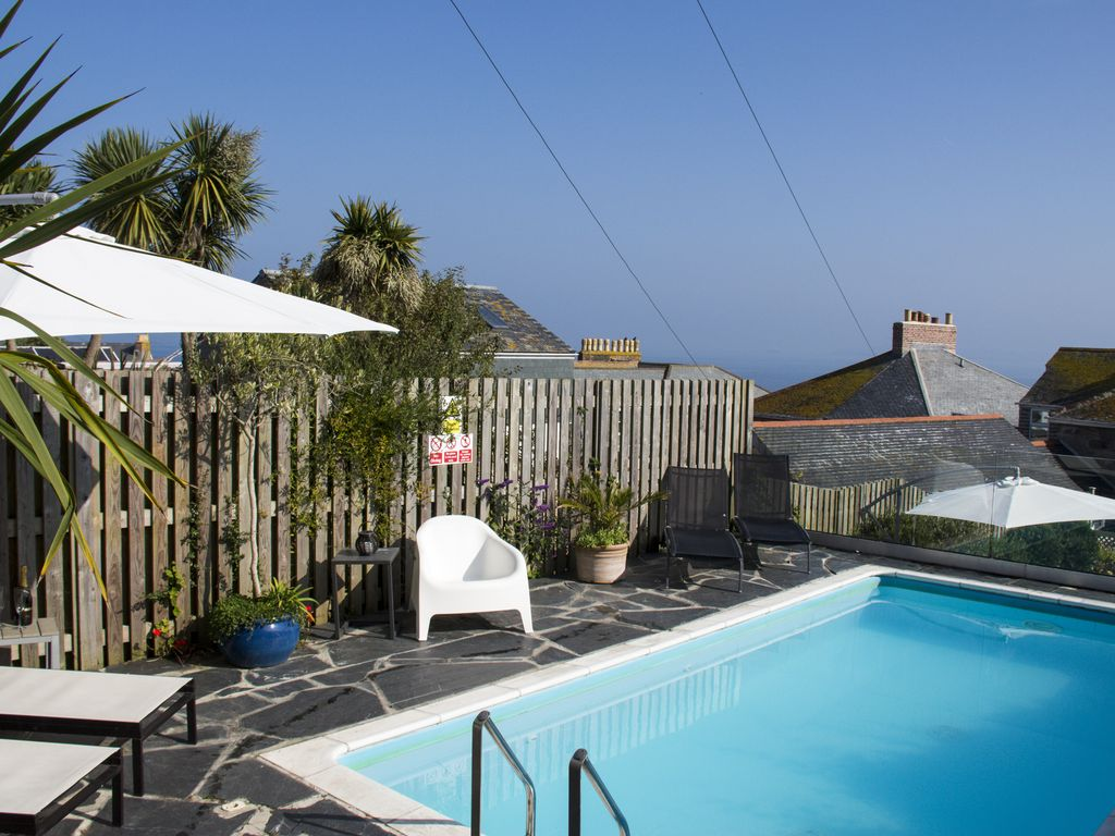 Boutique Beach House Stunning St Ives Family Holiday Home With Sea Views 8124509