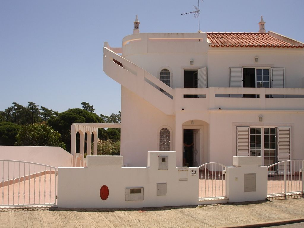 Accommodation near the beach, 300 square meters,
