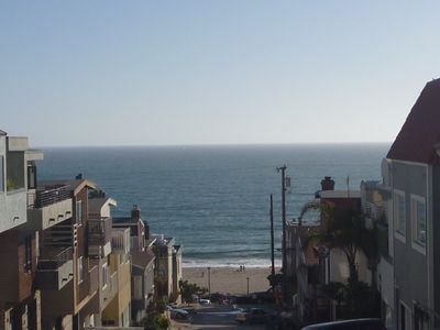 Fantastic view of the ocean, just 2 blocks away from the beach!!
