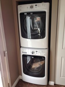 brand new full size washer & dryer in unit