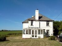 SUMMER AVAILABILITY Spacious House, Garden, Beach, Good Pub, Coastal Path