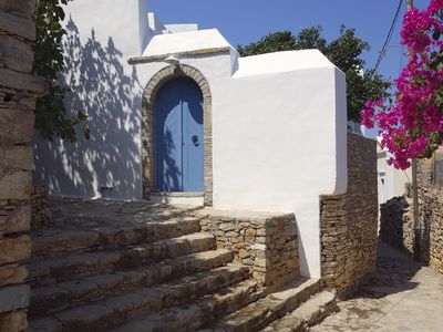 HOUSE OF CHARACTER IN THE VILLAGE HISTORY OF SYMI
