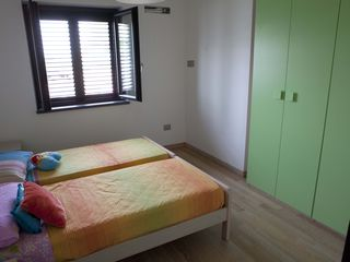 Fuscaldo villa photo - Twin bedroom on the ground floor