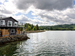 Stay On The Water S Edge Hood Canal Seabe Vrbo