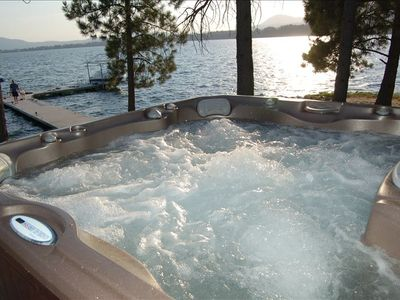 Fabulous new hot tub just steps from Master BR. Views, Bald eagles, stars!