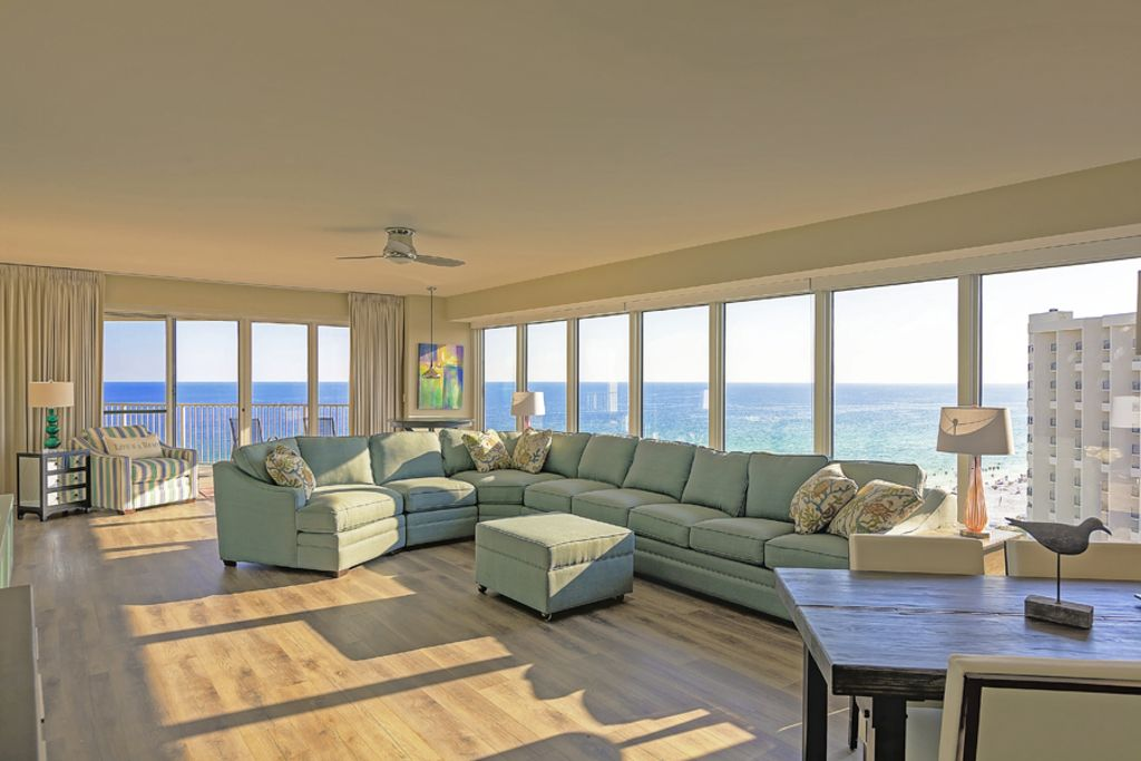 Five star 3 bedroom 3 bath beachfront condo vrbo for 5 star living rooms