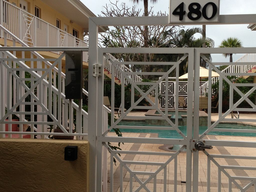 Luxury Condo In The Heart Of Old Naples Steps From 5th