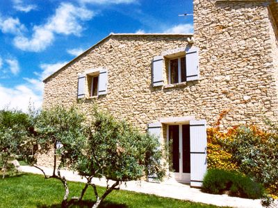 Detached cottage, Provencal style, walking distance from Gordes