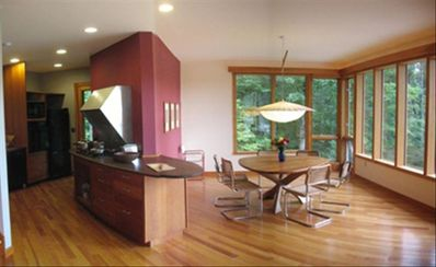 Kitchen/dining.