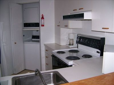 Kitchen (fridge, stove, dish/clothes washers, drier, m/wave, toaster, etc )