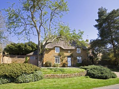Luxury Thatched Ironstone Cottage Near Rutland Water/Uppingham & Stamford