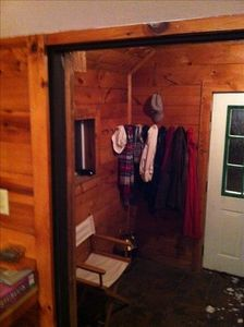 Caroga Lake house rental - Mud room, entrance