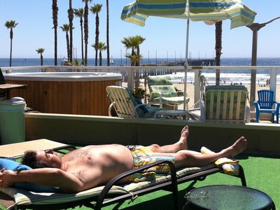Venice Beach house rental - Relax on Casa Karmin's roof deck, with hot tub (on 24/7), BBQ, & lounge area
