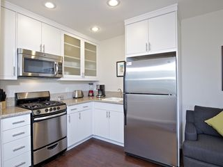 Mission Beach condo photo - Great fully equipped kitchen (no dishwasher)