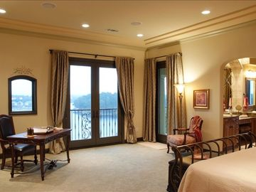 Master bedroom and great lake view.