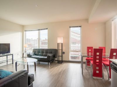 Modern Suites Walk to Pioneer Square - One Bedroom Deluxe Apartment