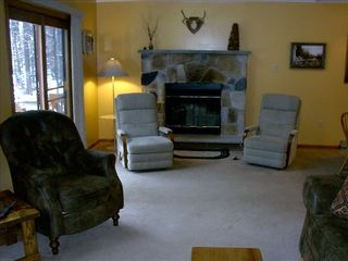 Living room - Arrowhead Lake chalet vacation rental photo