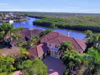 Luxury Estate Oasis With Large Pool And Direct Access