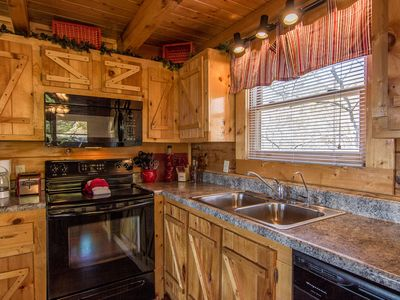 Pigeon Forge cabin rental - All Appointed Kitchen, Reverse Osmosis faucet for drinking water right at sink