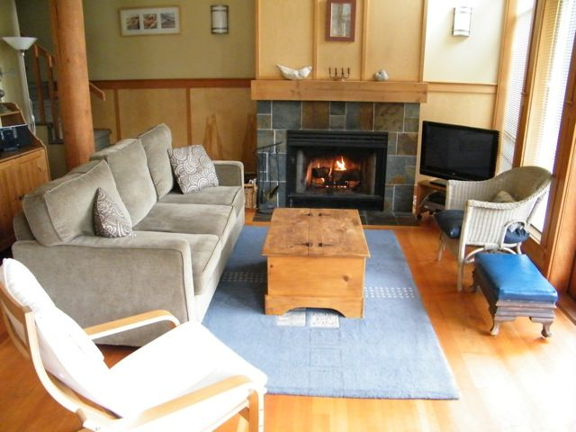 Tofino Waves Vacation Home on Chesterman Beach **PLEASE CONTACT OWNER FOR RATES