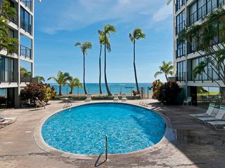 Kahala condo photo - Beautiful Beachside Pool, GYM, and Library