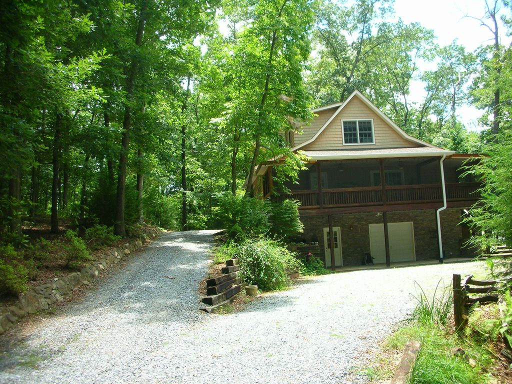 Relaxing cabin near blue ridge and the aska adventure area for North georgia mountain cabins for rent