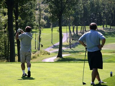 Many great golf courses nearby! Also hiking trails