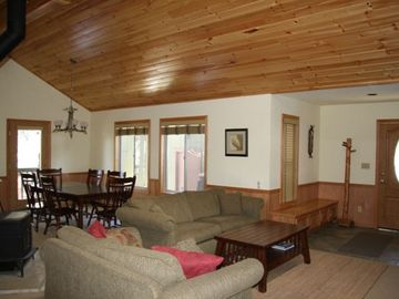 Big Bear Lake house rental - Living Room and Dining Room