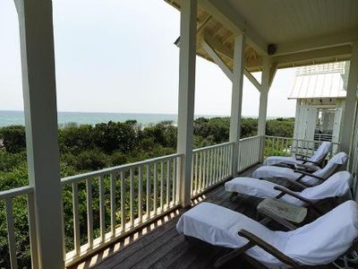 Stretch out on the deck with a good book or rest to the sound of the waves.