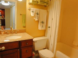 Indian Rocks Beach condo photo - Second bathroom with granite counter and beach appointments