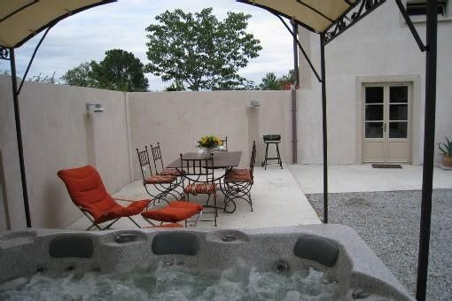 House moules spa and heated outdoor enclosed homeaway for Homes with enclosed courtyards