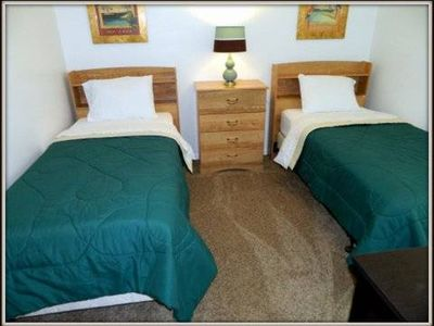 Sunset Lakes house rental - Twin Bedroom