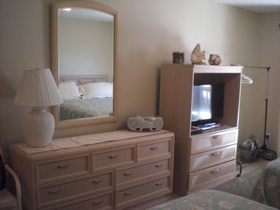 Guest bedroom 32' TV/DVR -Dresser-Private bathroom w/bathtub/shower combination.