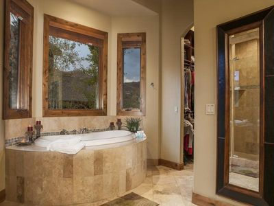 Master king en suite with large soaker tub and dual sinks